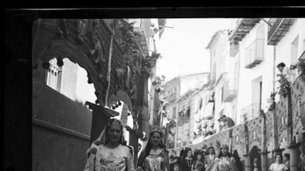 MANIFESTACIONS FESTIVES POPULARS DURANT EL FRANQUISME. ELS ANUNCIS I SEXENNIS DE MORELLA, 1940-1958